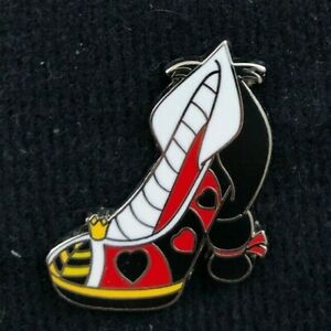 Villain Shoes Mini-pin Set Queen of Hearts Only Disney Pin 97738