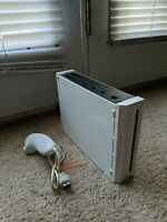 Nintendo Wii conse RVL-001 White Tested Working w/nunchuck. NICE!