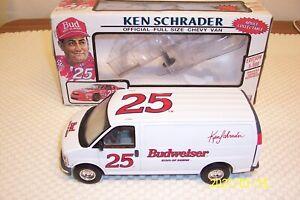 NASCAR Ken Schrader Racing #25 Budweiser Chevy Van 1/25 Diecast Hendrick