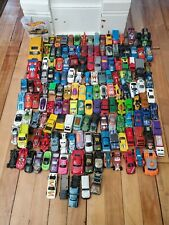 HUGE LOT OF HOTWHEELS HOT WHEELS MATCHBOX DIECAST CARS AND CAR STORAGE CONTAINER