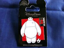 Disney * BAYMAX & SOCCER BALL * New on Card Movie Hero Character Trading Pin