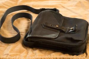 FOGG canvas pouch