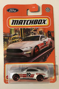 2021 MATCHBOX #82 - '19 Ford Mustang Coupe (White Brembo - Mix 5 Long Card) New