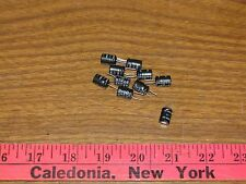 lot of 10 Nichicon Capacitors 22uf 25V Radial Alum Electrolytic