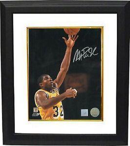 Magic Johnson signed Los Angeles Lakers 16x20 Photo Layup Custom Framed