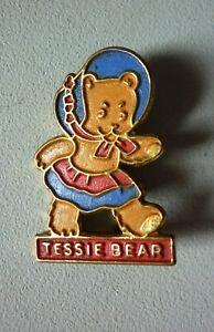 Enid Blyton, Noddy Club character 'TESSIE BEAR' enamel pin badge Kelloggs 1966
