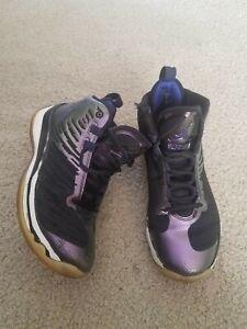 Boys Air Jordan Shoes –Size 5.5Y preowned purple/metallic/black