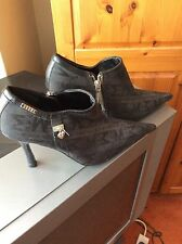 Woman's Black Morgan Stiletto Pointed Toe Ankle Boots Size 3 Side Zip