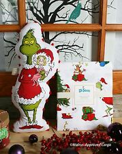 Pottery Barn Grinch & Max Twin Duvet Cover & Grinch Pom Pom Pillow - Nwt