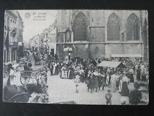 DINANT Le Marché et la rue Sax