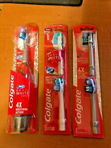 one colgate optic white battery operated toothbrush & 4 soft heads