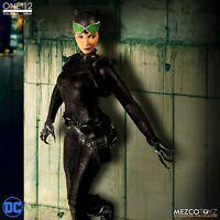 Mezco One:12 Collective DC Comics Catwoman Action Figure