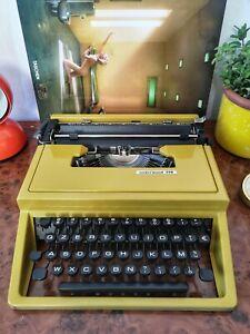 Rare yellow-gold OLIVETTI UNDERWOOD 310 Typewriter + Case 60s Italy E. Sottsass