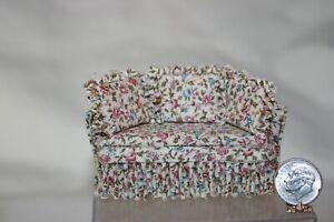 Miniature Dollhouse Very WELL MADE HALF Scale Floral Sofa 1:24 NR