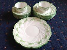 1906 ROYAL DOULTON PART DINNER SET - 2 LGE PLATES, 2 CUPS, 6 SAUCERS, 9 S/PLATES