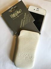 Mossimo Apple iPhone 4,4S Universal Vertical Slip-in Leather Pouch in Ivory.