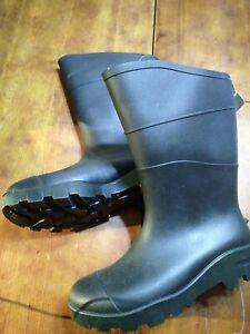 Tractor Lug Sole. Black Opp Boot. Waterproof Size Mn6 Wm8  Rain garden boots