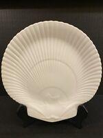 "Vintage WEDGWOOD of ETRURIA & BARLASTON 9"" Shell Plate"