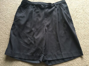 Columbia Golf Womens 14 Black Pleated Shorts Soft Polyester Classy