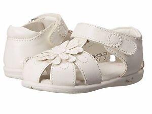 White Closed Toe Little Girls Summer Sandals  Little Girls Size 8  M