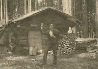 Holzknecht vor seiner Hütte bei Seehaus - Forstwirtschaft - Bayern - um 1915