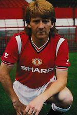 Football Photo>GORDON STRACHAN Man Utd 1985-86