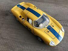 Ferrari 250 LM geel schaal 1:24 Bburago