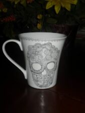 222 FIFTH SKULL LACE SET/2 MUGS CUPS HALLOWEEN BLACK/WHITE NEW