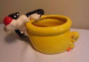 Warner Bros. Entertainment Sylvester & Tweetie Looney Tunes Ceramic Planter Pot