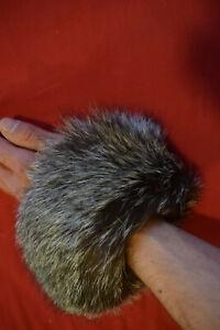 Pelz Manschette Fell silber grau edel weich Stulpen Cuff Pulswärmer Handschuh