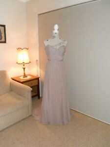Designer Alfred Angelo Sequin/Beaded Ladies Formal/Evening Gown Size 12