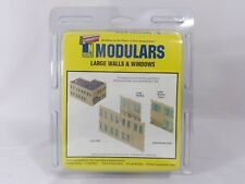 N Large Walls & Windows Modular Structure Kit - Walthers Cornerstone #933-3282