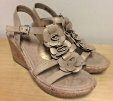 BOC Born Concept Women's Gold Leather Flower Slingback Wedge Sandals Size 9 M