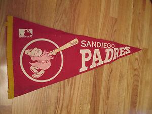 """Vintage 1969 MLB SAN DIEGO PADRES 30"""" Pennant w/ Tassels"""