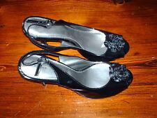 WOMAN'S DRESS SHOES - BLACK WITH FLOWER PUMPS - FIONI -SIZE 9