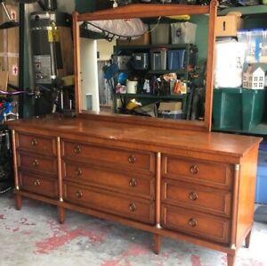 Henredon Mid Century Modern Long Dresser with Mirror