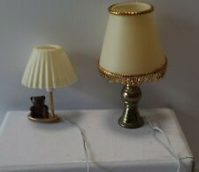 00006000 Dollhouse miniatures 1/12 scale mixed lots 2 lamps base metal shades plastic