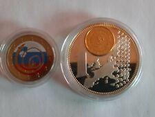 2 euro colorisée couleur  + piece  plaqué argent plaqué or europe