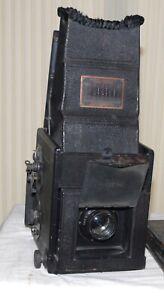 Auto Graflex Vintage Curtain Aperture Camera in Good Condition