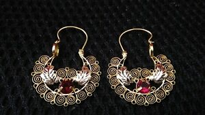 10k gold Filigree Earrings, Arillos with leaf and synthetic ruby