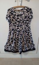 Daisy print cap sleeves dress size 14 with mesh trim,VGC.