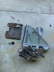 1966 FORD GALAXIE 500 REAR QUARTER WINDOW ASSEMBLY R. H.