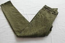 CALVIN KLEIN Women ARMY GREEN CAMO ULTIMATE SKINNY JEANS NWT Size 6  28 x 32 $80