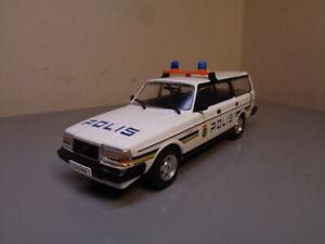 VINTAGE VOLVO 240 POLIS POLICE CAR 1/43 SCALE MINT CONDITION