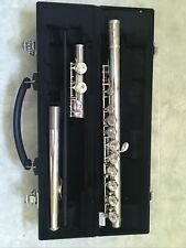 Yamaha YFL-221 Student Flute with Hard Shell Black Carrying Case Gold 221