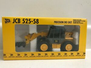 JCB 525-58 Telescope Crane with pallet forks and pallet 1:35 Scale REF. 166