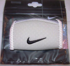 Nike Chin Shield, Chin Cup Sleeve, white, neu,