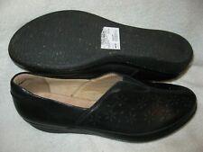 Clarks Everlay Dairyn model black leather loafers women's size 9.5 wide width