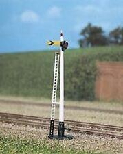 Ratio 260 Single Post Signal (Plastic Kit) N Gauge Railway Model
