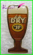 """Pin's Verre de Bierer Beer LA DRY  """"33"""" #1764"""